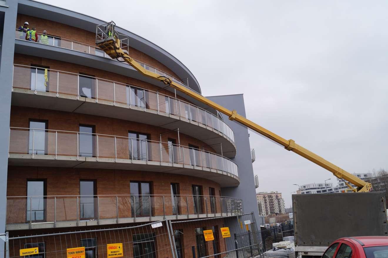 Prace poprawkowe balkonów i elewacji
