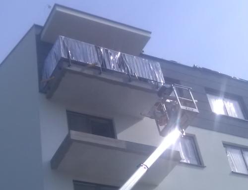 Montaż balustrad balkonowych